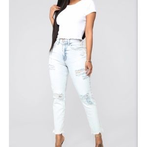 Fashionnova Distressed/Frayed Hem Boyfriend Jeans